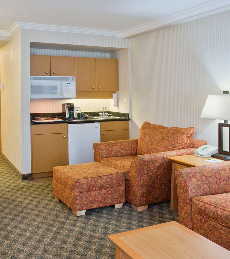 Accommodation with kitchenette at Holiday Inn North Vancouver