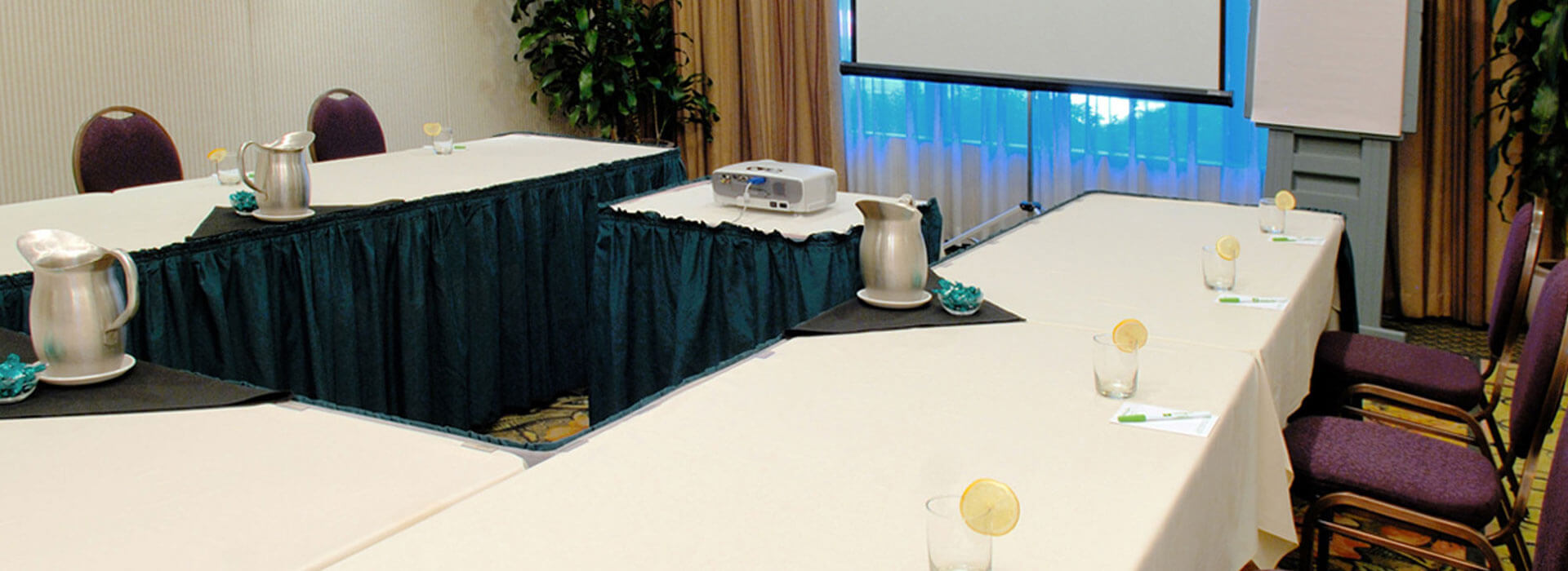 Conference and meeting room at Holiday Inn North Vancouver