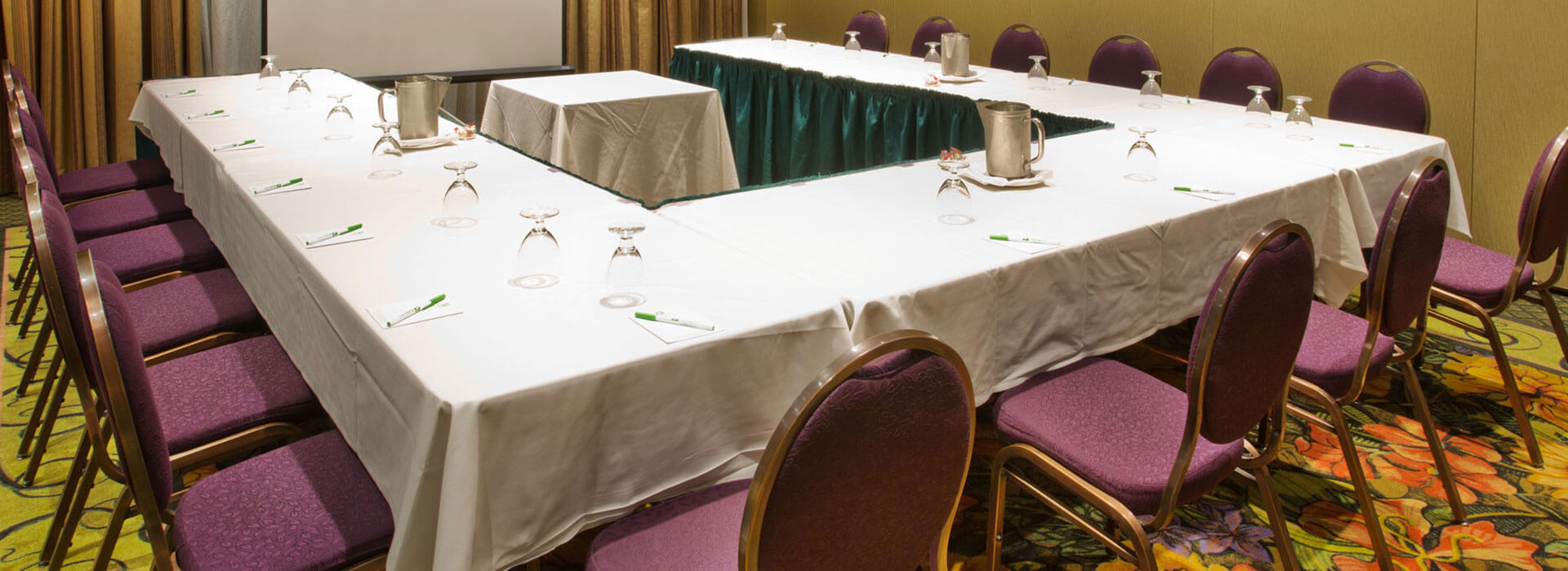 Meeting and conference space - the Grouse Room at the Holiday Inn North Vancouver
