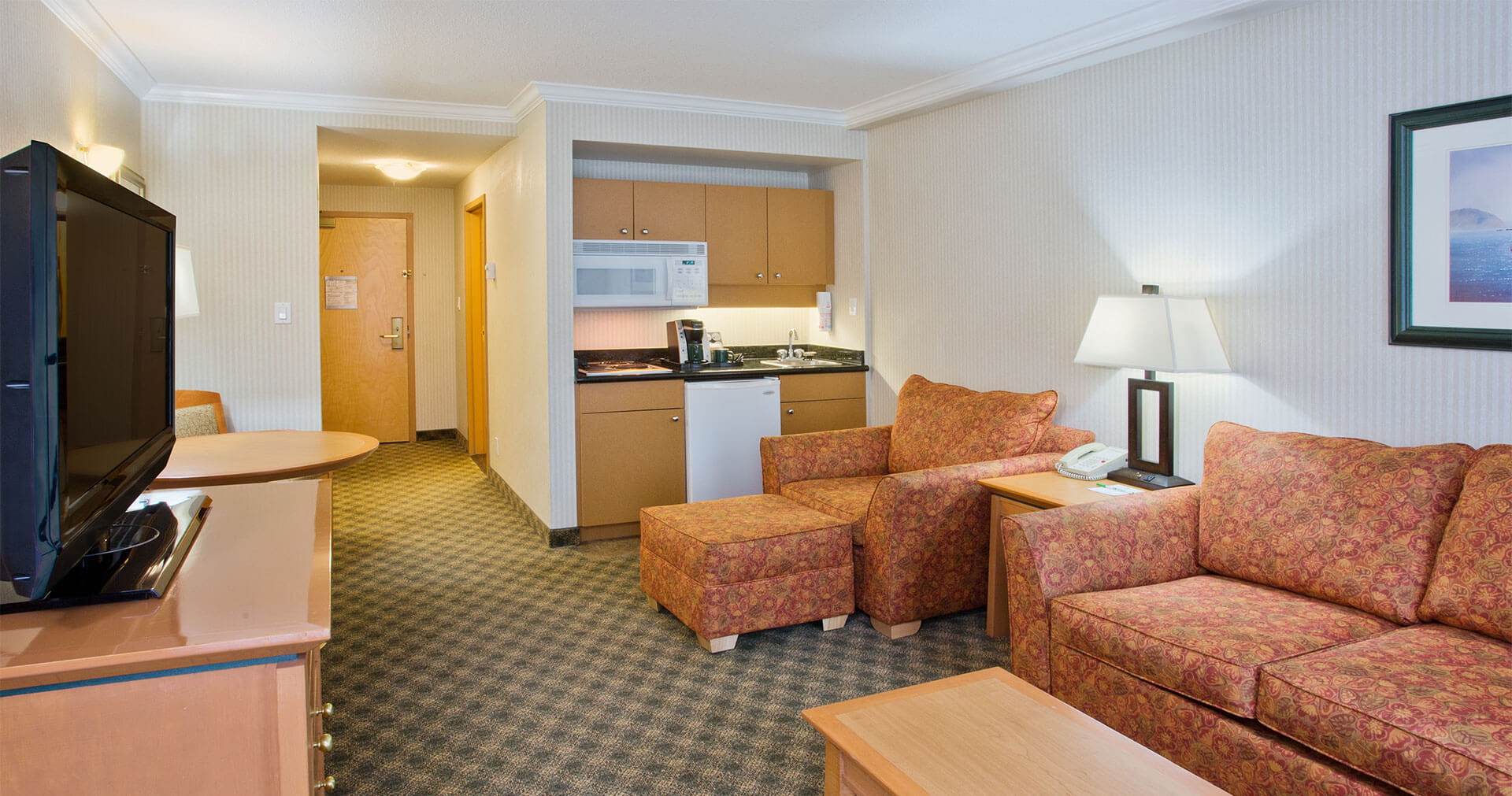 Rooms with kitchenettes available at Holiday Inn North Vancouver