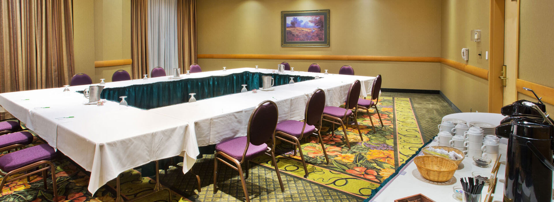 Seymour conference and meeting room at the Holiday Inn North Vancouver
